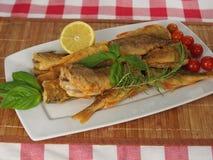 ψάρια που τηγανίζονται Στοκ Φωτογραφίες