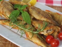ψάρια που τηγανίζονται Στοκ Εικόνες