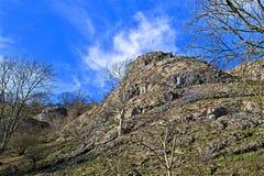 Ψάχνοντας για την άνοιξη το Φεβρουάριο, σε Dovedale, το Derbyshire στοκ εικόνες με δικαίωμα ελεύθερης χρήσης