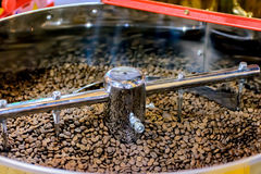 Ψήνοντας μηχανή καφέ Στοκ Εικόνες