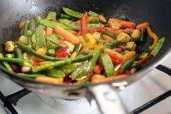 Ψήσιμο του μεξικάνικου μίγματος λαχανικών στο τηγάνι wok Στοκ φωτογραφία με δικαίωμα ελεύθερης χρήσης