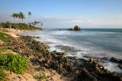 Ψαράδες ξυλοποδάρων της Σρι Λάνκα στην παραλία Koggala Στοκ φωτογραφίες με δικαίωμα ελεύθερης χρήσης