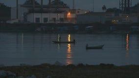 Ψαράδες που περνούν ο ένας τον άλλον μετά από το ηλιοβασίλεμα, Κόνακρι φιλμ μικρού μήκους