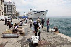 Ψαράδες στη Ιστανμπούλ, Τουρκία Στοκ Φωτογραφία