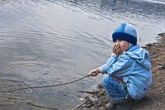 ψαράς αγοριών Στοκ φωτογραφία με δικαίωμα ελεύθερης χρήσης