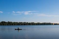 Ψαράς κανό Στοκ εικόνες με δικαίωμα ελεύθερης χρήσης