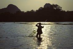 Ψαράς σε Guilin Κίνα Στοκ Εικόνες