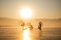 Ψαράς στη λίμνη Inle Στοκ Εικόνα