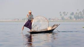 Ψαράς στη λίμνη Myanmar inle Στοκ Εικόνα