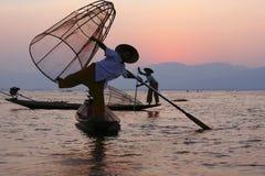 Ψαράς στη λίμνη Inle στοκ εικόνες