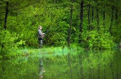 Ψαράς στη δράση στοκ φωτογραφίες