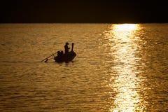 Ψαράς τρόπου ζωής σκιαγραφιών Στοκ Εικόνες