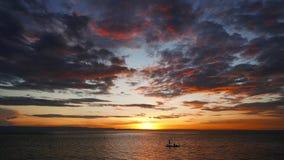 Ψαράδες στο ηλιοβασίλεμα 02 απόθεμα βίντεο