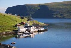Ψαροχώρι Akkarfjord το καλοκαίρι Στοκ Φωτογραφίες