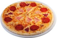 ψαλιδίζοντας απομονωμένη εικόνα pepperoni μονοπατιών πίτσα Στοκ φωτογραφίες με δικαίωμα ελεύθερης χρήσης