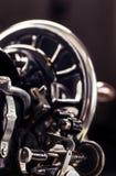 ψαλιδίζοντας απομονωμένος ράβοντας τρύγος μονοπατιών μηχανών Στοκ Φωτογραφίες