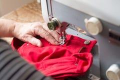 ψαλιδίζοντας απομονωμένος ράβοντας τρύγος μονοπατιών μηχανών Στοκ εικόνα με δικαίωμα ελεύθερης χρήσης