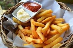ψαλιδίζοντας απομονωμένο εικόνα μονοπάτι τηγανιτών πατατών Στοκ Φωτογραφία