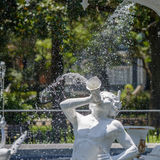 Ψεκάζοντας άγαλμα Στοκ Φωτογραφίες