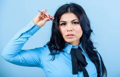 Ψεύτικος όγκος μαστιγίων Makeup Επέκταση Eyelash tweezer Ισχύω προσώπου κοριτσιών makeup tweezer για την επέκταση eyelash επαγγελ στοκ φωτογραφία με δικαίωμα ελεύθερης χρήσης