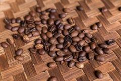 Ψημένα οργανικά arabica φασόλια καφέ Τροπικό εξωτικό νησί του Μπαλί, Ινδονησία Αυθεντικός καφές του Μπαλί σε έναν καφέ Στοκ Εικόνα