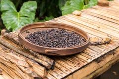 Ψημένα οργανικά arabica φασόλια καφέ Τροπικό εξωτικό νησί του Μπαλί, Ινδονησία Αυθεντικός καφές του Μπαλί σε έναν καφέ Στοκ φωτογραφία με δικαίωμα ελεύθερης χρήσης
