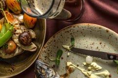 Ψημένα στη σχάρα λαχανικά και ψάρια Στοκ εικόνες με δικαίωμα ελεύθερης χρήσης