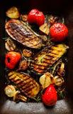 Ψημένα στη σχάρα λαχανικά στο τηγάνι σχαρών Στοκ Φωτογραφία