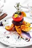 ψημένα στη σχάρα βόειο κρέας λαχανικά μπριζόλας Στοκ εικόνες με δικαίωμα ελεύθερης χρήσης