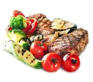 ψημένα στη σχάρα βόειο κρέας λαχανικά μπριζόλας Στοκ Εικόνες