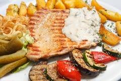 ψημένα στη σχάρα λαχανικά μπριζόλας Στοκ εικόνες με δικαίωμα ελεύθερης χρήσης
