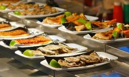 Ψημένα στη σχάρα πιάτα ψαριών Στοκ Εικόνες