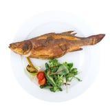 Ψημένα στη σχάρα ψάρια περκών θάλασσας με τα λαχανικά Στοκ φωτογραφία με δικαίωμα ελεύθερης χρήσης