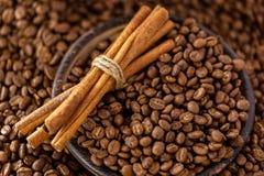 ψημένα φασόλια καφέ στοκ εικόνες