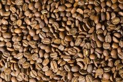 Ψημένα φασόλια καφέ, Στοκ εικόνες με δικαίωμα ελεύθερης χρήσης