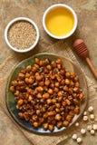 Ψημένα Chickpeas με το σουσάμι και το μέλι Στοκ εικόνες με δικαίωμα ελεύθερης χρήσης