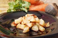 Ψημένες πατάτες για μια φυτική σαλάτα Στοκ φωτογραφίες με δικαίωμα ελεύθερης χρήσης