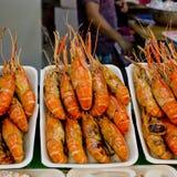 Ψημένες στη σχάρα γαρίδες στην αγορά της Ταϊλάνδης Στοκ φωτογραφίες με δικαίωμα ελεύθερης χρήσης