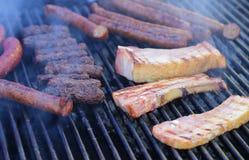 Ψημένες στη σχάρα ειδικότητες χοιρινού κρέατος Στοκ Φωτογραφία