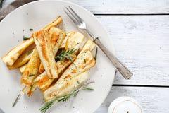 Ψημένες φούρνος παστινάκες στο πιάτο στοκ εικόνες