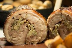 Ψημένη κοιλιά χοιρινού κρέατος με τα καρυκεύματα Αγροτικό ύφος στοκ φωτογραφία