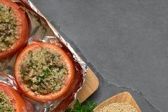 Ψημένη ντομάτα που γεμίζεται με Quinoa και το μανιτάρι Στοκ εικόνα με δικαίωμα ελεύθερης χρήσης