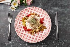 Ψημένη πέρκα περκών λούτσων με τα λαχανικά και το risotto ρυζιού Στοκ εικόνες με δικαίωμα ελεύθερης χρήσης