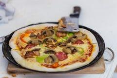 ψημένη πίτσα Στοκ φωτογραφία με δικαίωμα ελεύθερης χρήσης