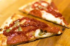 ψημένη πρόσφατα πίτσα Στοκ φωτογραφία με δικαίωμα ελεύθερης χρήσης