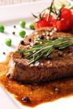 ψημένη στη σχάρα βόειο κρέας μπριζόλα Στοκ εικόνες με δικαίωμα ελεύθερης χρήσης