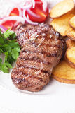 ψημένη στη σχάρα βόειο κρέας Στοκ Εικόνες