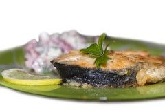 Ψημένη στη σχάρα μπριζόλα σολομών με το λεμόνι Στοκ Φωτογραφίες