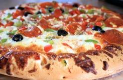 ψημένη φρέσκια πίτσα Στοκ Φωτογραφία