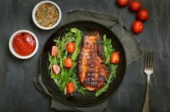 ψημένη χοιρινό κρέας μπριζόλ&alph Στοκ εικόνες με δικαίωμα ελεύθερης χρήσης